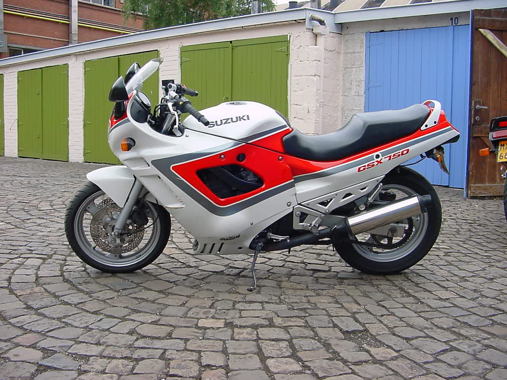 Suzuki GSX 750 F (Katana) 1989 motorcycles specifications